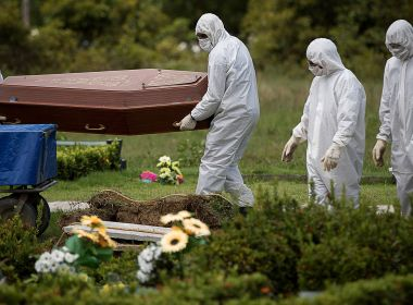 Brasil bate novo recorde e acumula 10 mil mortes por Covid em uma semana; médias de mortes e de casos são as maiores da pandemia