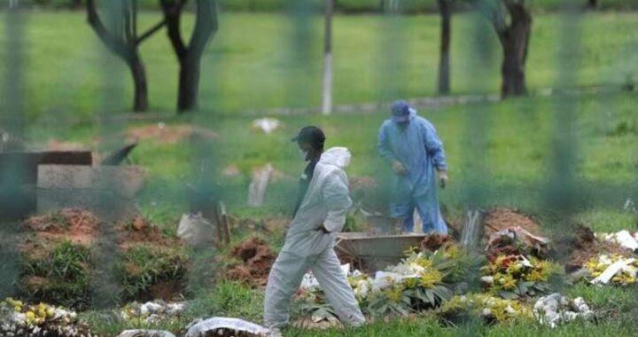 Brasil registra 1.760 mortes em 24 horas, e total chega a 262,9 mil; médias de mortes e de casos são as maiores da pandemia